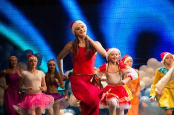 Шоу-балет поздравил благовещенцев с Рождеством