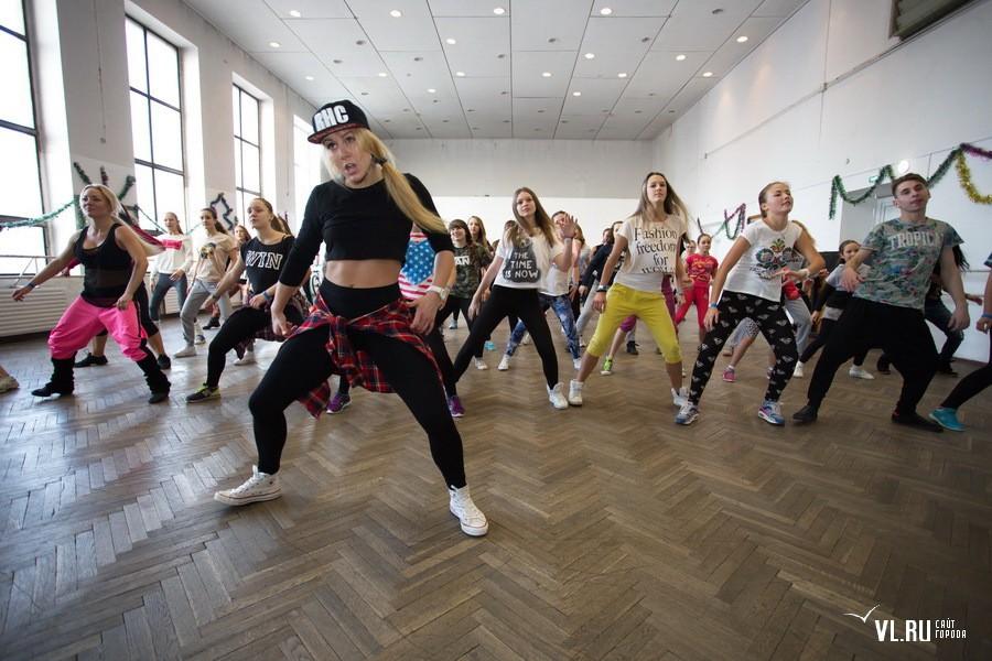 Участница телепроекта «Танцы» Анна Тихая провела мастер-класс во Владивостоке