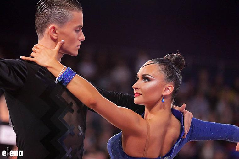 ассталась одна из сильнейших пар России в латиноамериканской программе танцевального спорта.